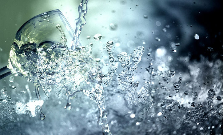 Six methods to purify the water at home