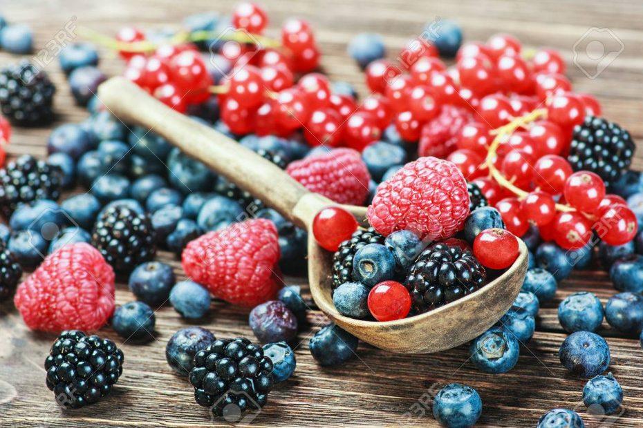 Top 7 Amazing Health Benefits of Eating Berries